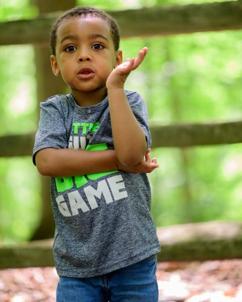 event_Child-posing